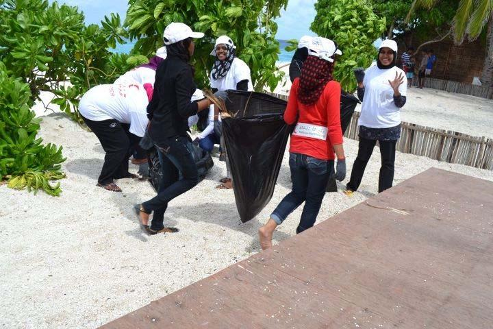6 I Maldives Annual report January 2011 to December 2011 attended by 12 women. Meanwhile a community cleaning activity was successfully conducted on 31 December 2011.