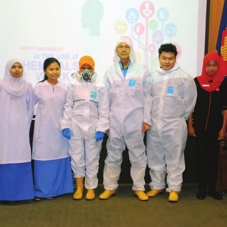 This 2-day event aptly themed Safety and Health in the use of Chemicals at Work was launched by NIOSH Chairman, YBhg Tan Sri Datuk Seri Lee Lam Thye.