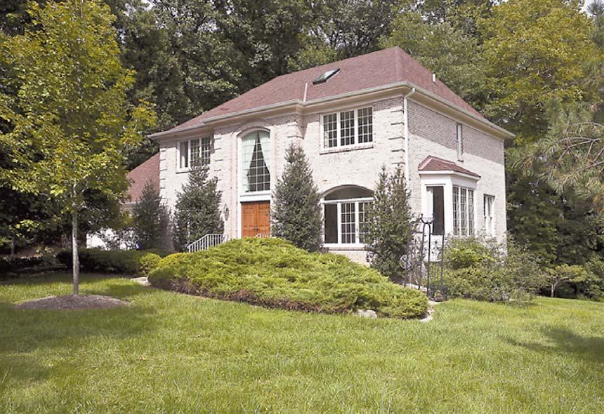 afts home in a premier location easily accessible to Bethesda, Potomac, Virginia and Washington, D.C.