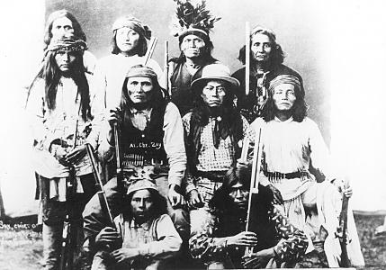 enduring aim their disintegration. 69 Apache warriors with Chief Alchesay.