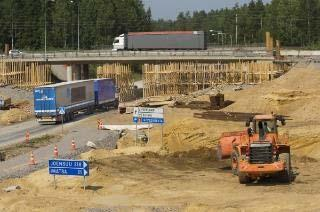 Main Road 6: 30 km from 2 -lanes to 4 -lanes Project Main Rd 6 Taavetti Lappeenranta renovation (10 km new alignment & 20 km old) and widening 2015 18 Cost
