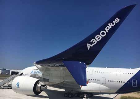 jet, fly bys of the A380, aerobatic displays by the French Patrouille de France, the Airbus A350-1000 and A400M, and other aircraft delighted the French President, as well as the public, from the