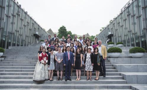 . EWHA-ROSTOCK 2016 SARU PROGRAM HELD AT EWHA The 2016 Ewha-Rostock Summer Academy Re-Unification (SARU) Program, co-organized by Ewha Womans University and University of Rostock in Germany, took